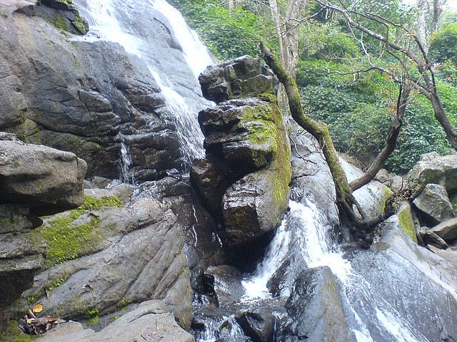 Killiyur Falls view with rocks at Yercaud.