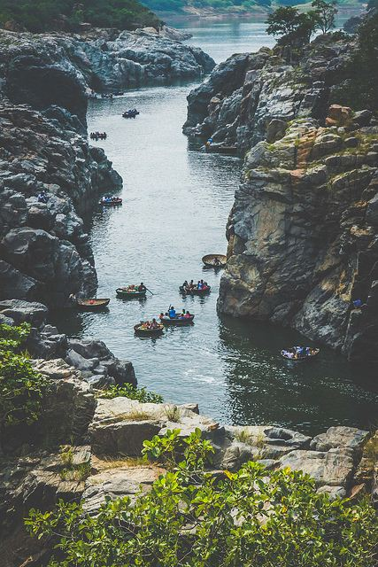 Parisal or Coracle path at Hogenakkal falls.