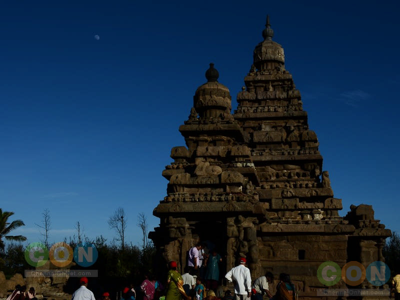 Shore temple moon